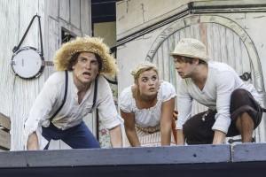 v. l.: Kolja Heiß (Huckleberry Finn),  Henriette Heine (Becky Thatcher), Julian Häußler (Tom Sawyer)